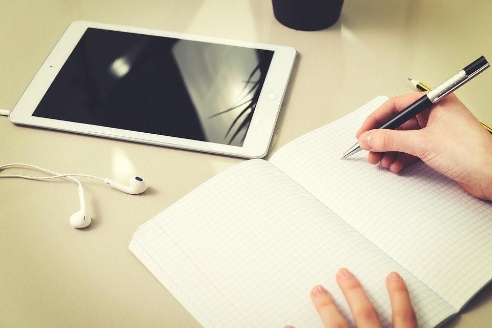 Kan digitaal onderwijs een aanvulling blijven?